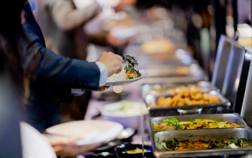 Wedding Caterers: Special Considerations For Outdoor Wedding Catering